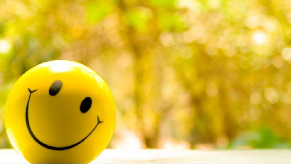 Perché pensare positivo non ti renderà felice anche se tutti ti dicono di farlo